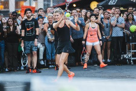 NikeCourt_Genie_Bouchard_1_native_1600